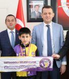ÜRKMEZER, ŞAMPİYON EMİR'İ KABUL ETTİ